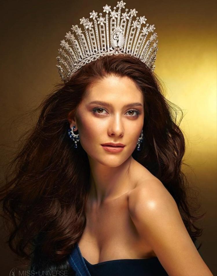Hoa hậu Hoàn vũ Thái Lan sở hữu vẻ đẹp quyến rũ, lai giữa hai dòng máu Thái Lan và Thụy Điển.