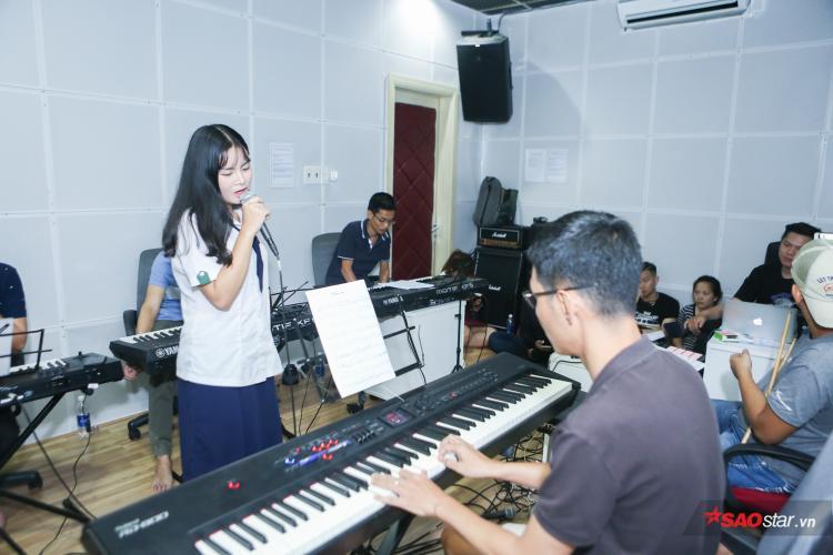 Cùng Gin Tuấn Kiệt, Tường Vy nhận được số lượng bình chọn áp đảo để bước vào đêm Chung kết Sing My Song 2018.