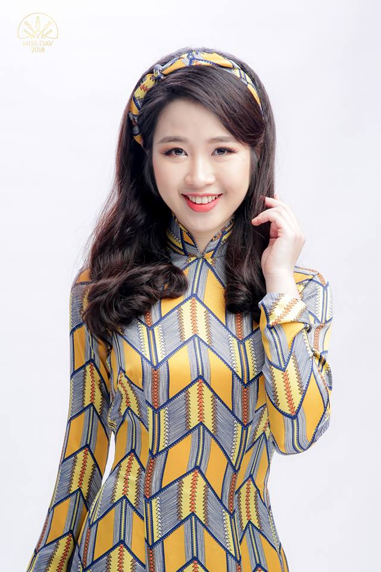 Hoa khôi Học viện Ngoại giao 2018: Để làm nên chuyện lớn, phải thay đổi bản thân