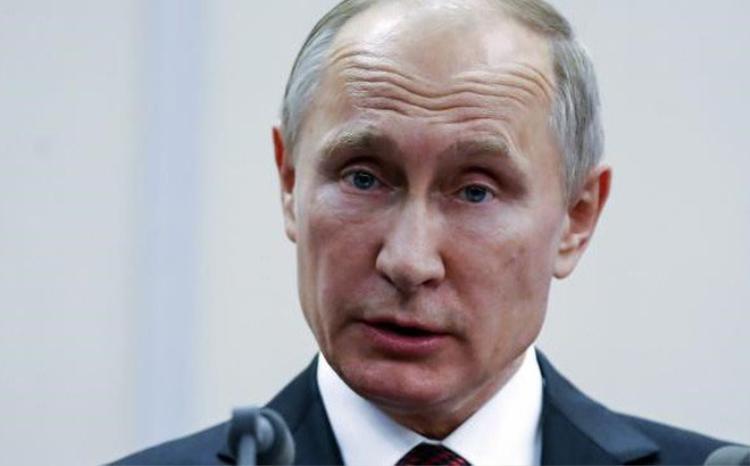 Trước khi bắt đầu các hoạt động chính trị, ông Putin có nhiều năm hoạt động với doanh nghĩa điệp viên cho Ủy ban An ninh Quốc gia của Liên Xô (KGB).