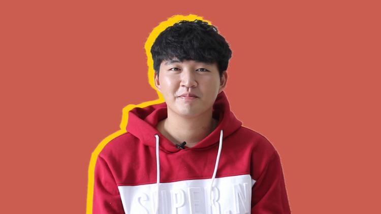 Với vốn tiếng Việt khá cùng sự vui tính, hoạt ngôn, Woossi được nhiều bạn trẻ yêu mến ở công việc một Streamer. Anh chàng cũng từng gây sốt khi tham gia một chương trình hẹn hò gần đây trên truyền hình.