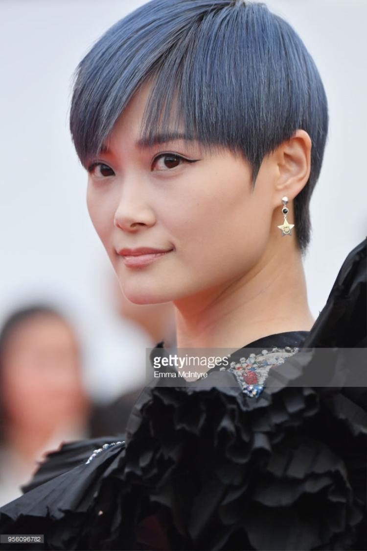 Nữ ca sĩ, diễn viên Trung Quốc - Lý Xuân Vũ (hay còn gọi là Chris Lee).