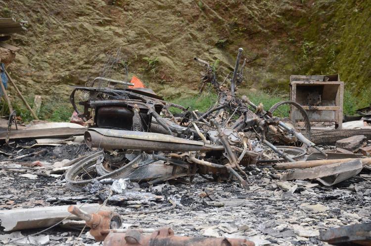 Sau khi sát hại 4 người Khánh quay lại phóng hoả đốt nhà chị Phương.