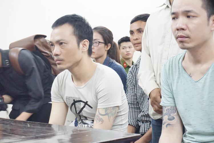 """Tử tù Thọ """"sứt"""" và Nguyễn Văn Tình tại phiên xét xử."""