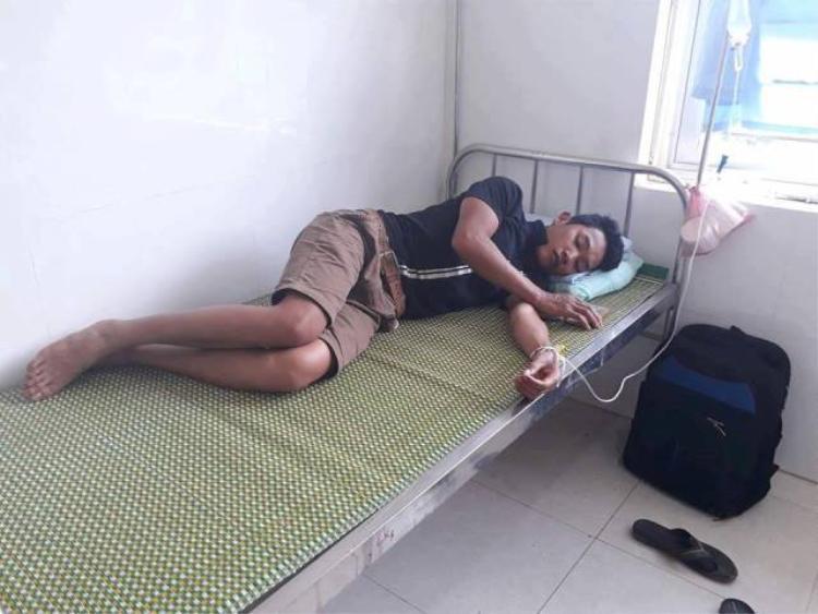 Một trong số các nạn nhân nhập viện.