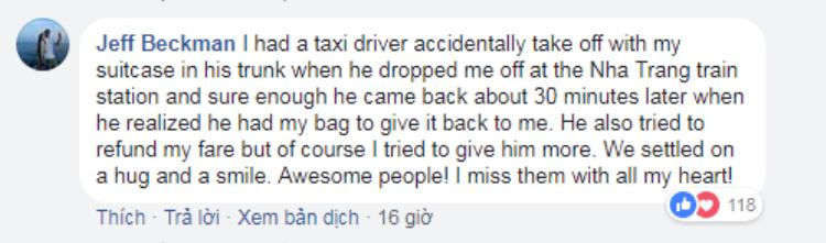 Người nước ngoài khen hết lời hành động chui xuống cống nhặt ví giúp khách Tây của tài xế GrabBike