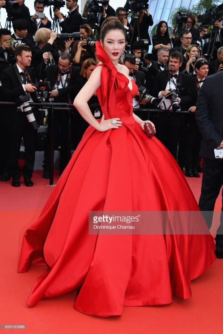 Bức hình Lý Nhã Kỳ lọt ống kính nhiếp ảnh gia của Cannes và được chia sẻ trên Getty Images.