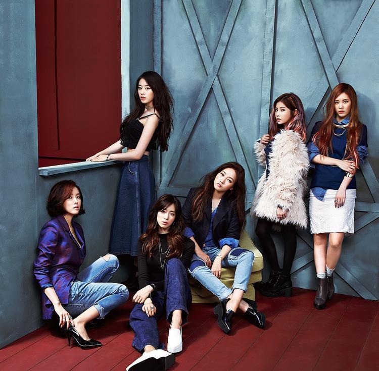 """Để gọi And & End là một album """"ế"""" thì quả là sai trái khi doanh số của nó đạt hơn 20.000 bản (số liệu theo Gaon)."""