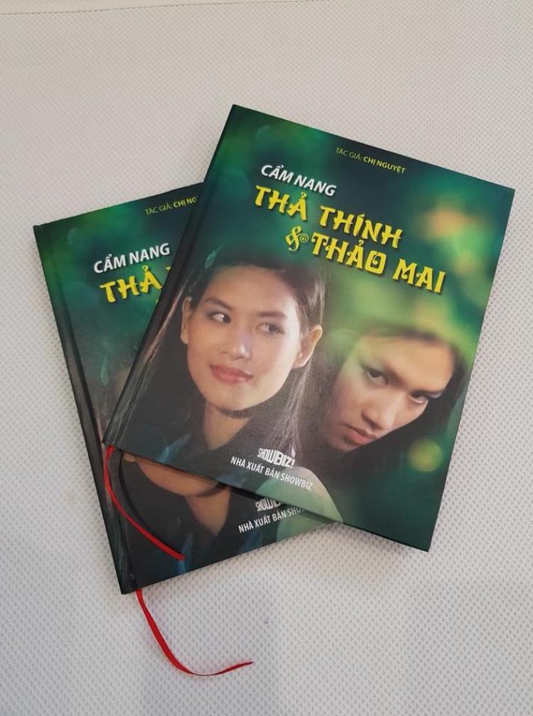 Bìa sách đến tựa đề, tác giả, nhà sản xuất đều làm khán giả tò mò hơn.