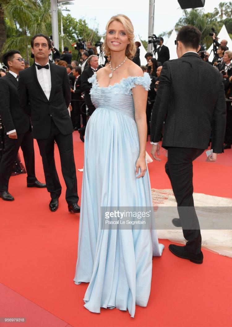 Hoa hậu Pháp 2002 Sylvie Tellier.