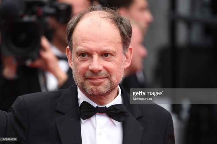 Nam diễn viên Denis Podalydes.