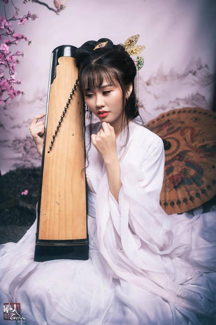 Hoá thân thành nhân vật trong phim cổ trang, bạn Trần Thiên Trang - sinh viên Học viện Công nghệ Bưu chính Viên thông mang trong mình vẻ đẹp lạ