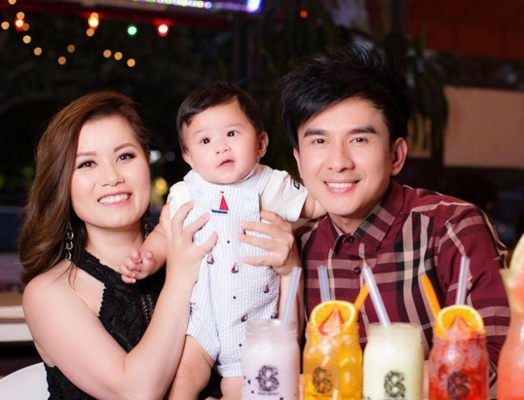 Những người vợ 'nằm gai không biết có được nếm mật cùng chồng trong showbiz Việt