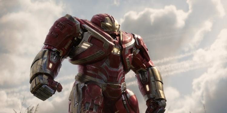 Bộ giáp Hulkbuster xuất hiện trong trận chiến Wakanda.