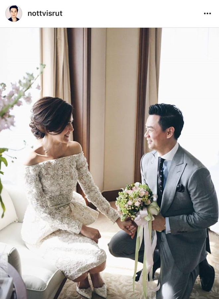 Chompoo Araya luôn khiến cả Thái Lan phải phát ghen vì có một người chồng cực phẩm như Nott.