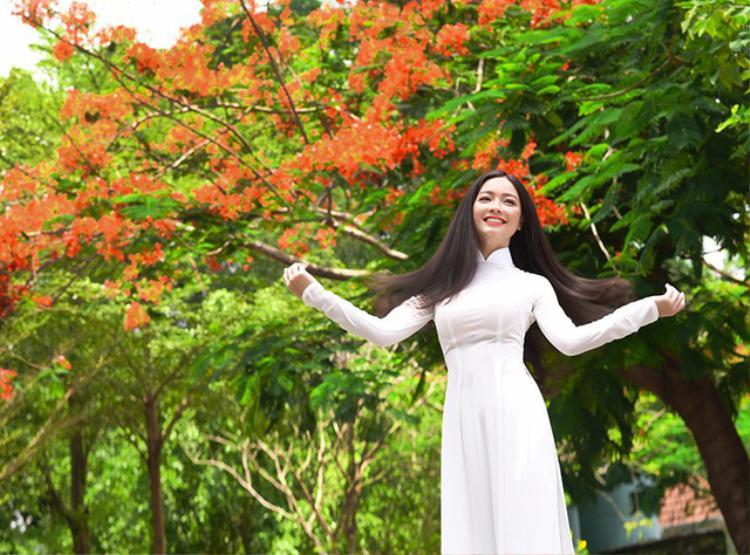 Bộ ảnh của Quỳnh Trâm gợi nhắc về những kỷ niệm đẹp tuyệt của những năm tháng hồn nhiên tuổi học trò.
