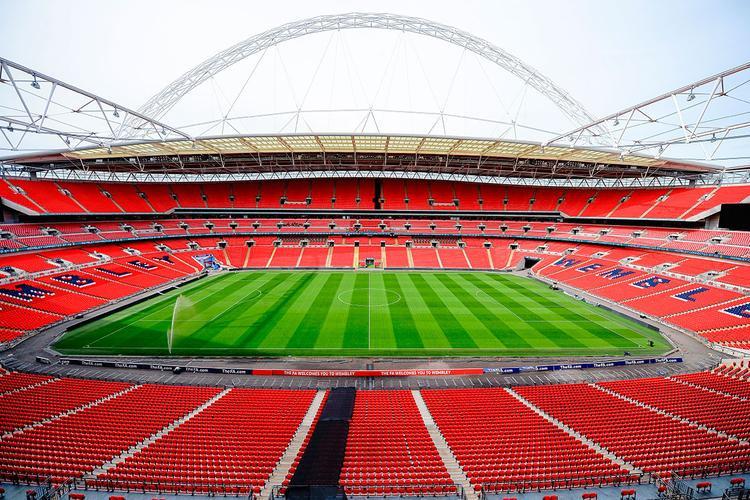 Sân vận động Wembley của nước Anh có sức chứa trên 72,000 khán giả cho một sự kiện âm nhạc sẽ đón tiếp giọng ca Blank Space vào tháng 6 tới.