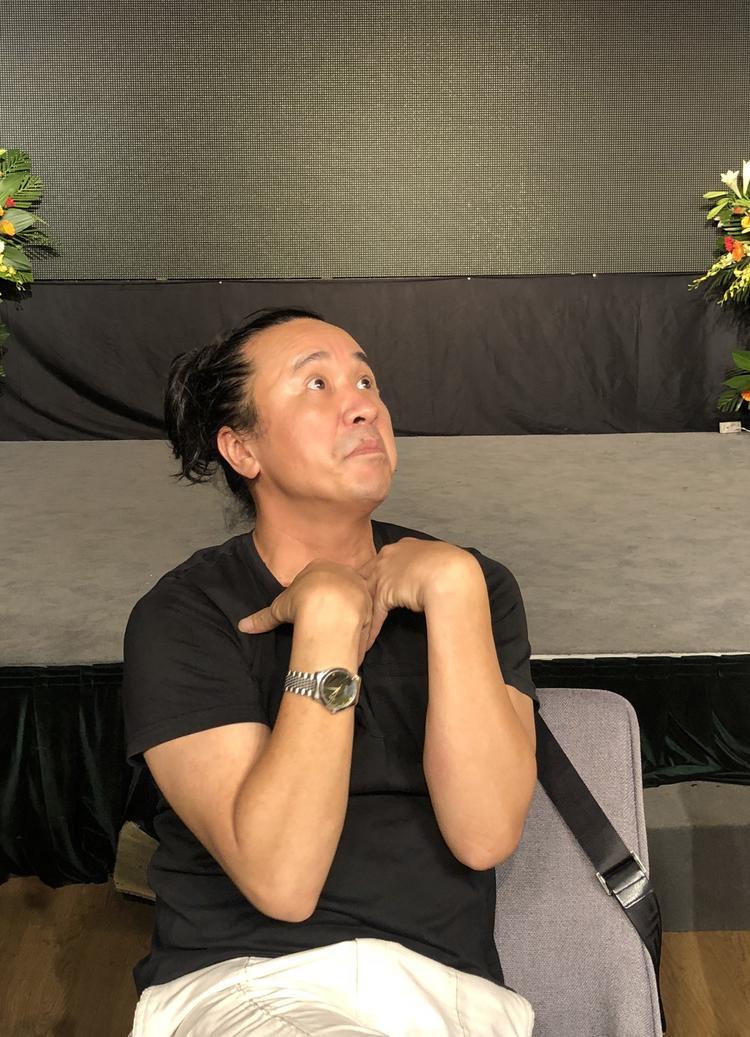 """Lê Minh Sơn - Huấn luyện viên hai mùa liên tiếp Sing My Song, chuyên trị các ca """"quái"""" nhất."""