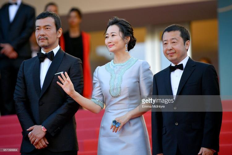 Thần thái miễn chê của 3 mỹ nhân Phạm Băng Băng, Chompoo Araya và Quan Hiểu Đồng tại Cannes ngày 4
