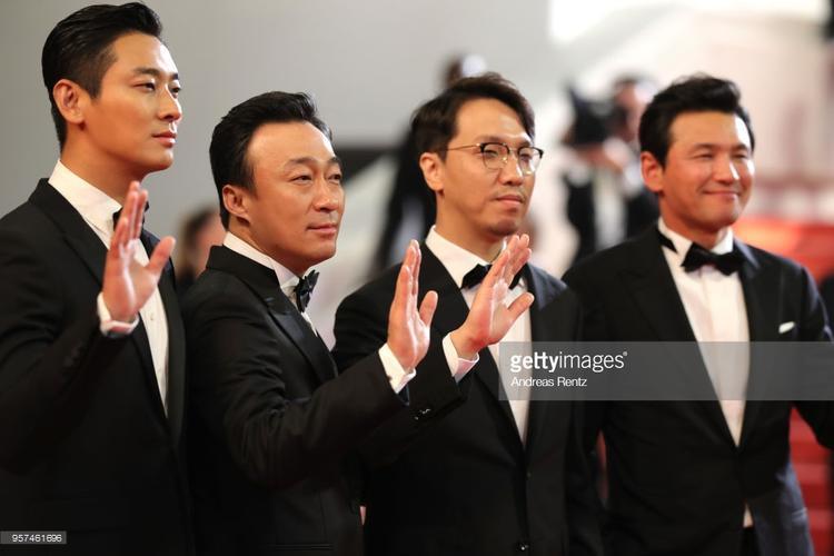 Nam diễn viên Ju Ji Hoon, diễn viên Lee Sung Min, đạo diễn Yoon Jong Bin và diễn viên Hwang Jung Min