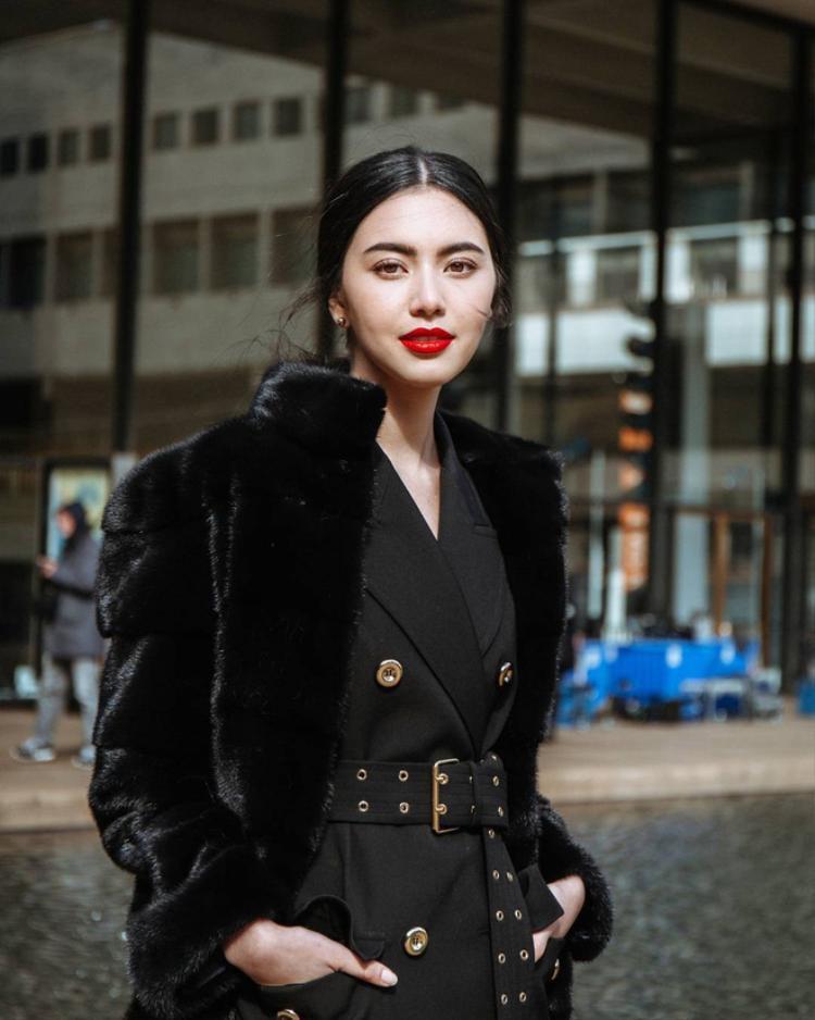 """Trong những ngày gần đây, cư dân mạng liên tục chia sẻ hình ảnh Mai DavikaHoorne - người đẹp được mệnh danh """"ma nữ vạn người mê"""" tại Thái Lan bởi cô là nữ chính trong MV Chạy ngay đi của Sơn Tùng."""