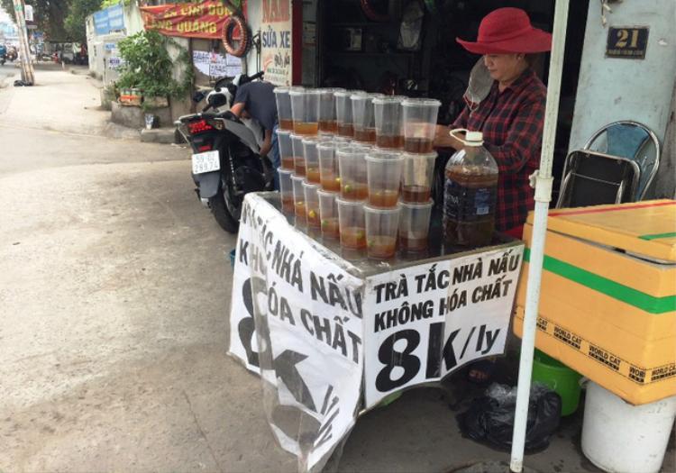 Những món giải khát 'không phải dạng vừa đâu' thách thức nắng nóng ở Sài Gòn
