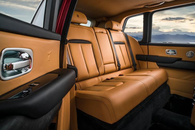 """Những nét cao cấp rất Rolls-Royce được """"phơi bày."""""""