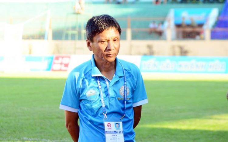 HLV Võ Đình Tân giải thích vì sao Quốc Chí đá Cúp quốc gia. Ảnh: Sanna Khánh Hòa BVN FC