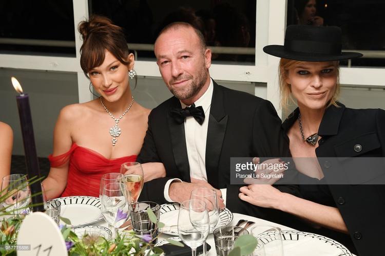 Tiệc tối Cannes 2018 ngày 5: Siêu mẫu bạch biến Winnie Harlow chiếm chọn spotlight vì đẹp tựa nữ thần