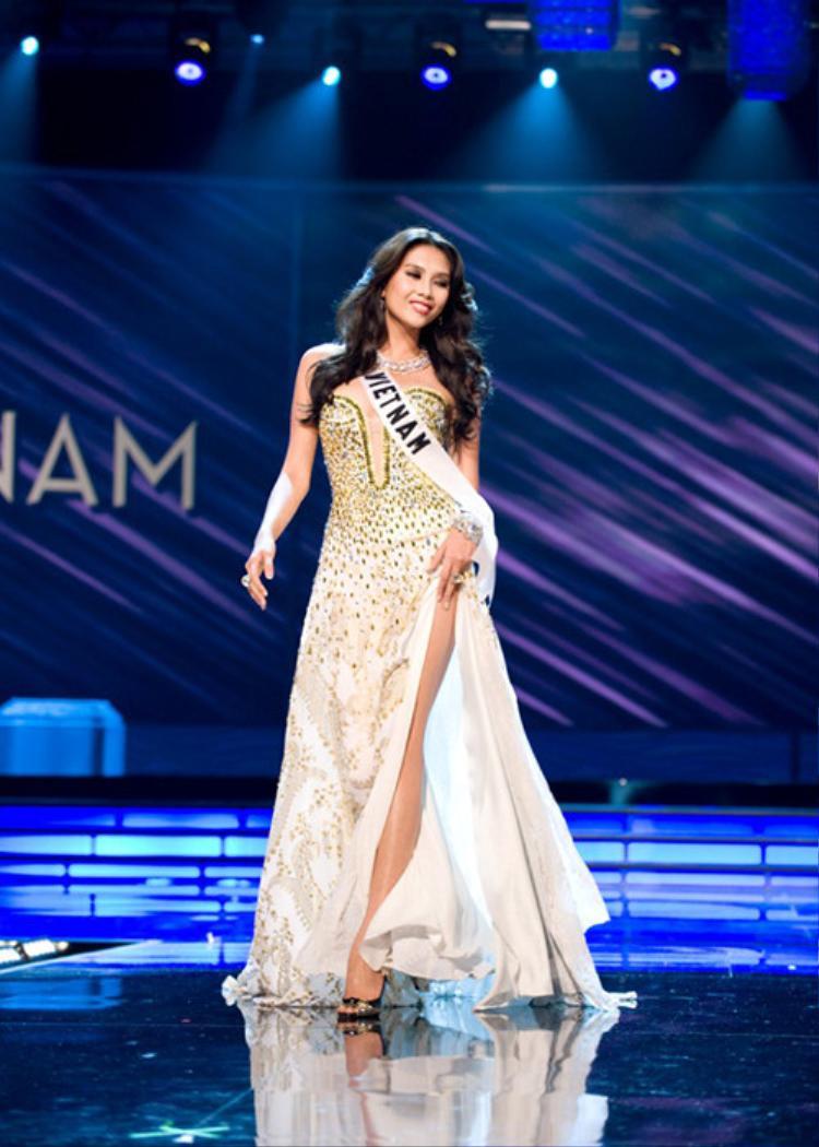 Nuôi dưỡng ước mơ thành người mẫu nhưng có duyên với các cuộc thi sắc đẹp. Cùng năm, Võ Hoàng Yến dự thi Hoa hậu Hoàn vũ Việt Nam và xuất sắc đoạt thành tích á hậu 1.