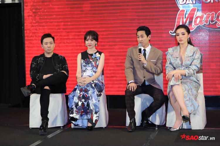 Trấn Thành - Hari Won, Hứa Vĩ Văn - Kỳ Duyên tại buổi họp báo.