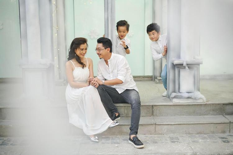 """Nữ diễn viên chia sẻ: """"Dạ thương anh Đạt ở chỗ dù có khó khăn đến mấy cũng luôn cố gắng để gia đình được đầy đủ và vợ con không phải nặng lòng""""."""