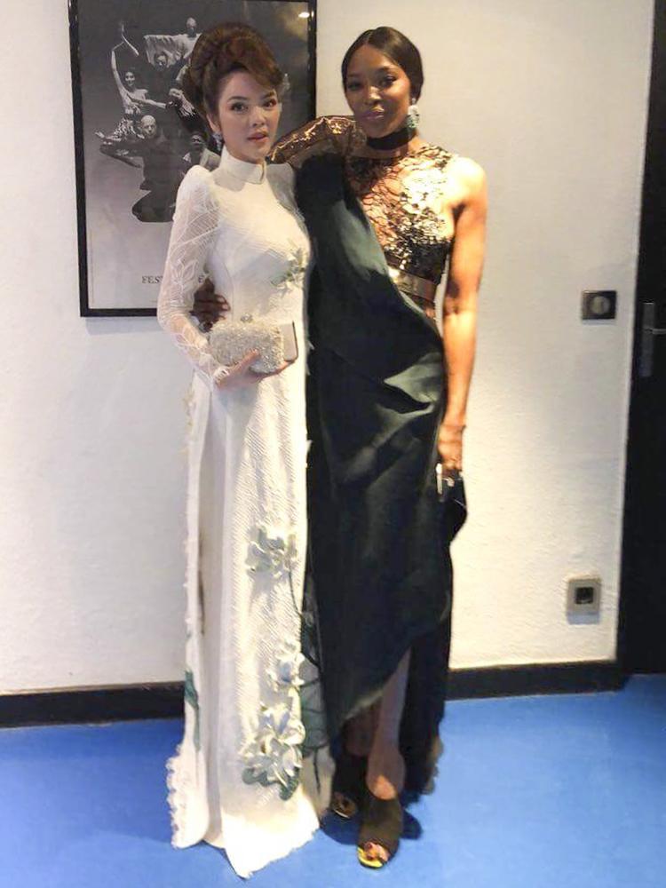 Lý Nhã Kỳ và diễn viên, người mẫu kiêm ca sĩ Naomi Campbell tại Cannes 2018.