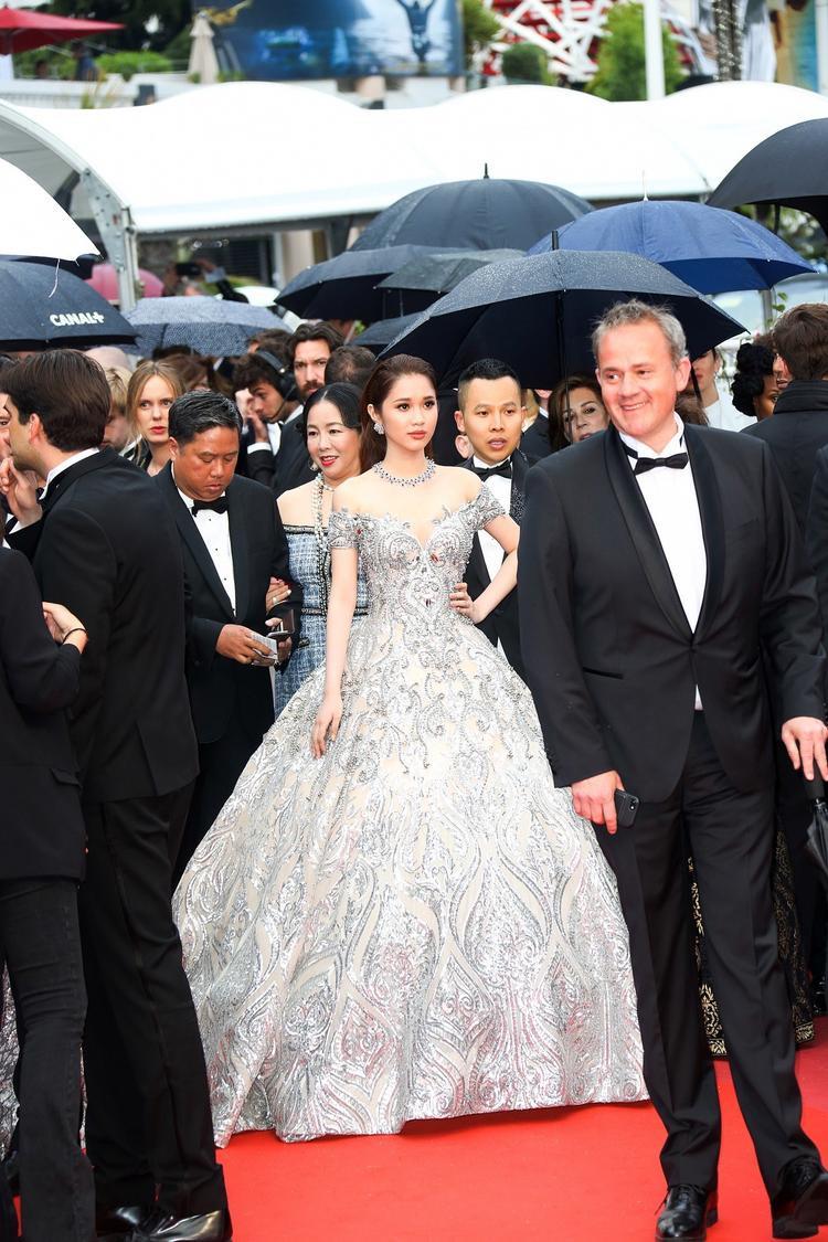 Nữ diễn viên Việt Nam chọn thiết kế của Chung Thanh Phong để tỏa sáng tại sự kiện.