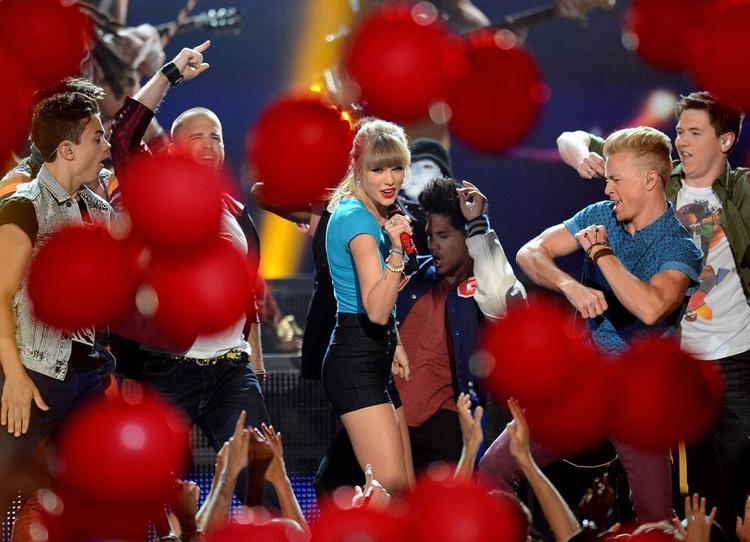 Không biết bao lâu nữa ta mới có thể thấy lại một Taylor hồn nhiên như thế nhỉ?