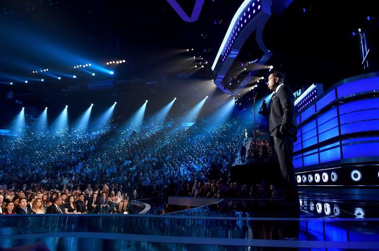 2011 chính là năm đánh dấu sự tái sinh của lễ trao giải này.