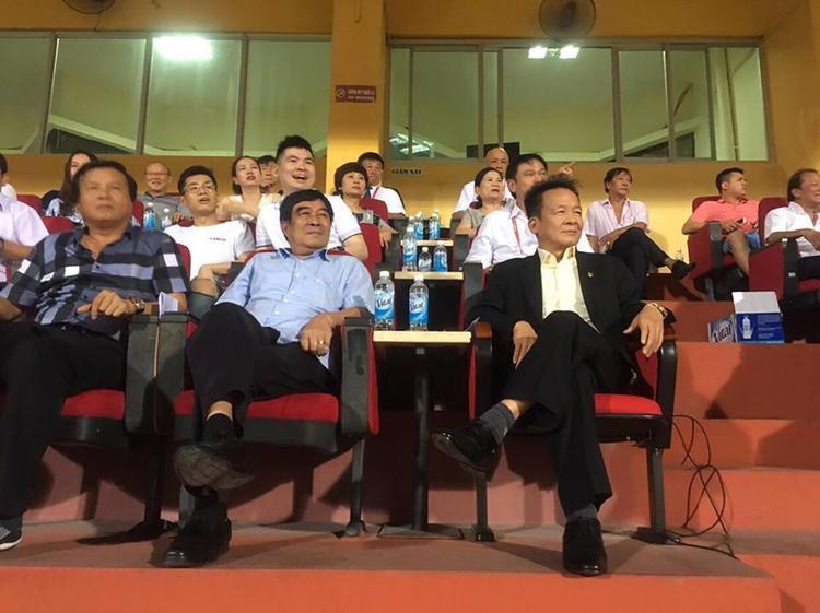 Bầu Hiển và phó Chủ tịch VFF - Nguyễn Xuân Gụ.