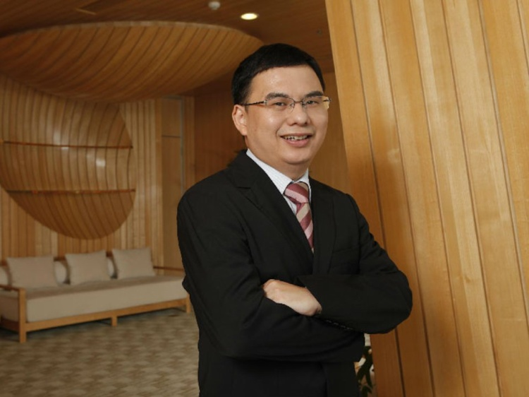 19. Zhang Zhidong, đồng sáng lập Tencent Holdings. Tài sản ròng: 15,8 tỷ USD. Còn được biết đến với cái tên Tony Zhang, ông là Giám đốc Công nghệ của gã khổng lồ Trung Quốc cho tới năm 2014.