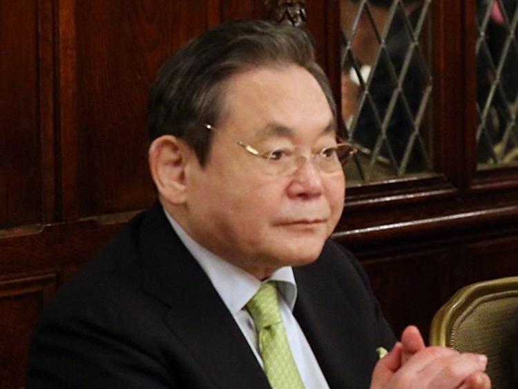 13. Lee Kun-Hee, Chủ tịch Samsung Group. Tài sản ròng: 22,5 tỷ USD. Ông là con trai thứ ba của người sáng lập Samsung Lee Byung-chul.