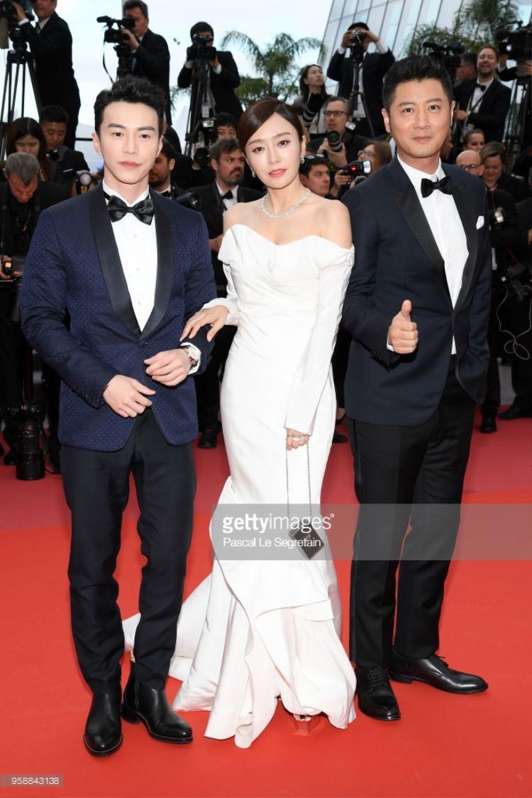 Nữ diễn viên Erika Karata, nam diễn viên Masahiro và đạo diễnRyusuke Hamaguchi.