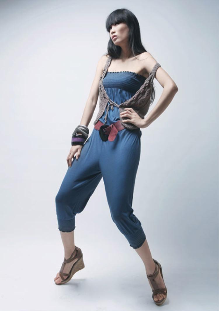 Hà Đăng, từng là người mẫu độc quyền cho Glamour - đơn vị tổ chức cuộc thiElite Model Look 2010, được diễn cho nhãn hàng Guess by Marciano trong đại bản doanh của Guess Ý.