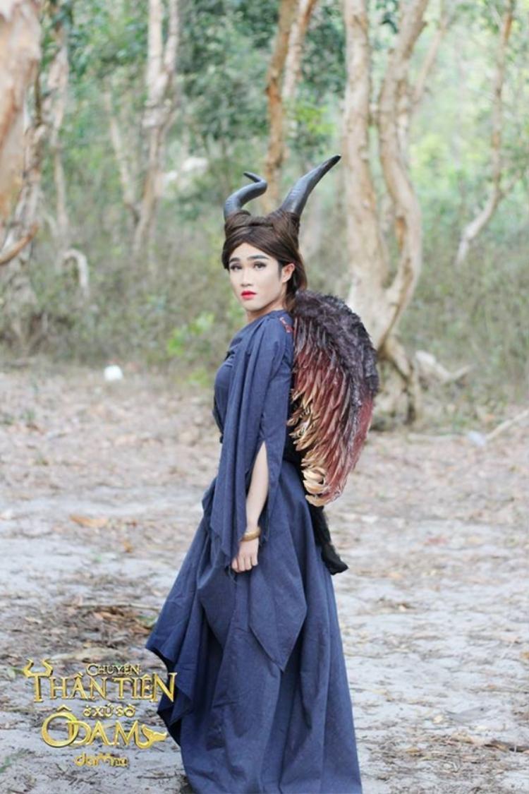 """Hình ảnh phù thủy Maleficent với khả năng """"chửi"""" siêu hạng khiến khán giả """"phát cuồng""""."""