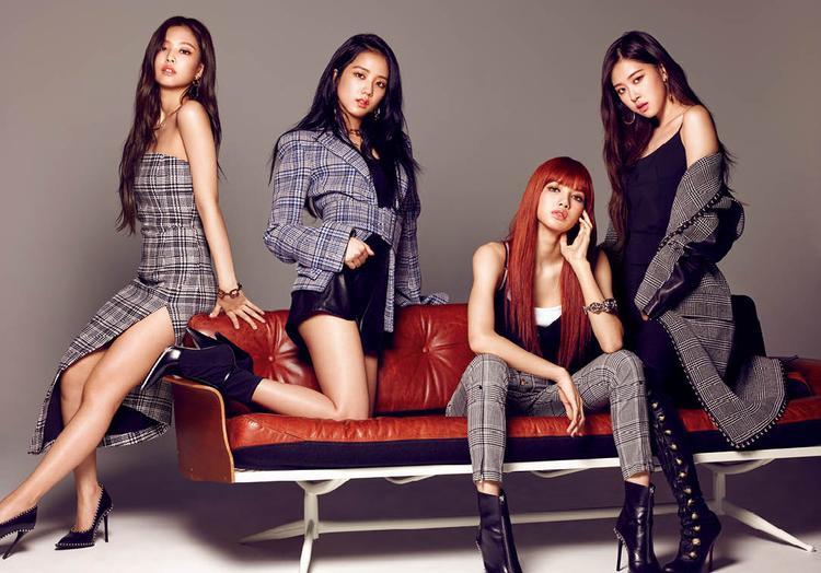 Dẫu biết YG có thể thất hứa bất cứ lúc nào, fan vẫn chấp nhận tin tưởng và chờ ngày nhóm chính thức comeback như đã định.