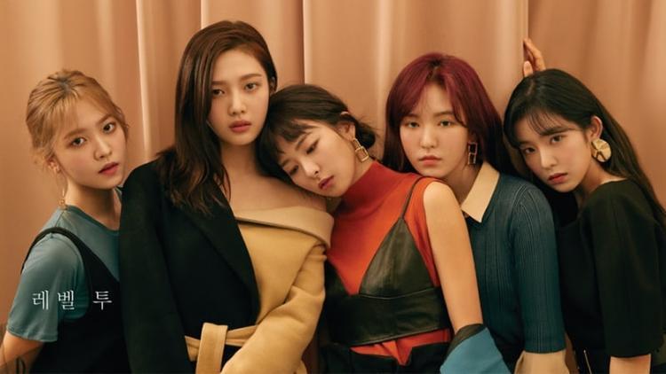 """Có vẻ như Red Velvet sắp có girlgroup """"em gái"""" trong năm nay."""