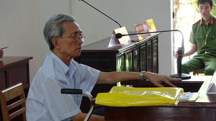 Bị cáo Nguyễn Khắc Thủy tại phiên tòa
