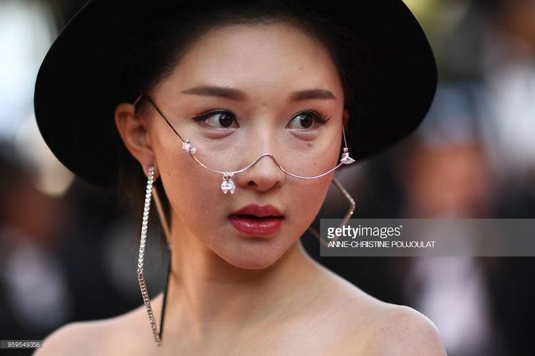 Thảm đỏ Cannes ngày 10: Với chiếc váy in hình Vịnh Hạ Long, Lý Nhã Kỳ đẹp lấn át mọi mỹ nhân châu Á