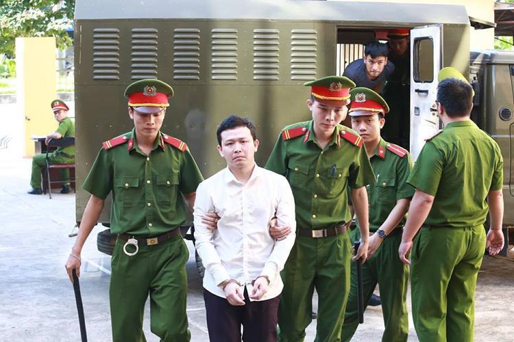 Vụ xử bác sĩ Hoàng Công Lương: Luật sư tiết lộ số nạn nhân tử vong là 9 chứ không phải 8