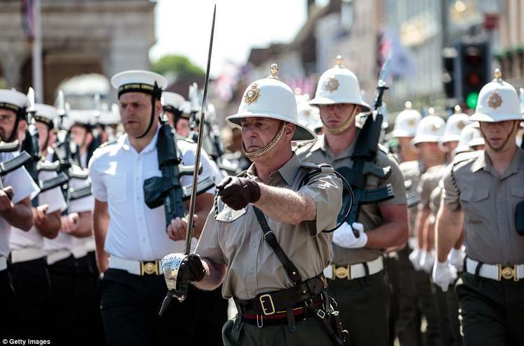 Chỉ huy trưởng đội diễu hành của lực lượng Không quân. Ảnh Getty Images