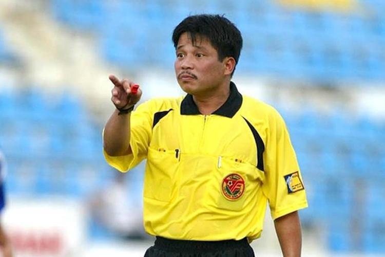 Còi Vàng Dương Mạnh Hùng chia sẻ có khoảng 150 trận trong sự nghiệp cầm còi được liên hệ làm bậy.