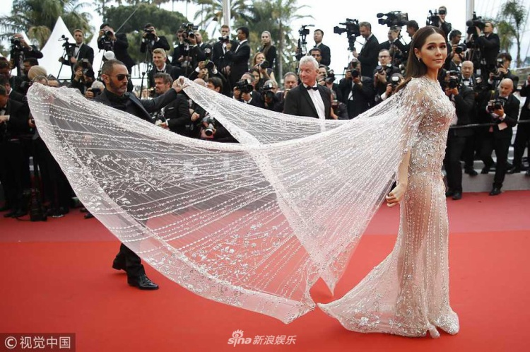 Phong cách sang chảnh của nữ diễn viên Thái LanChompoo Araya
